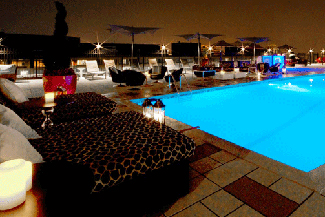 rooftop pool at liaison hotel