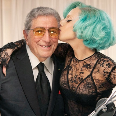 Tony Bennett and Lady Gaga recording their earlier duet.