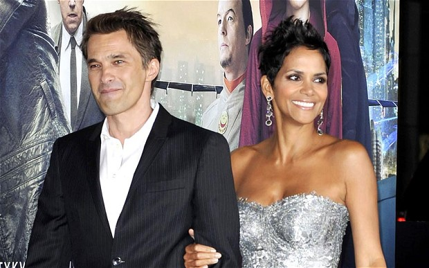 Actor Olivier Martinez and actress Halle Berry are expecting a baby boy.