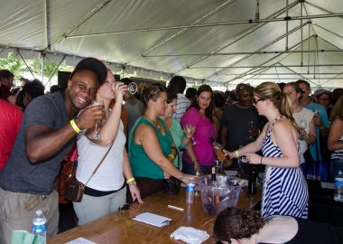 People at the 2nd annual Arlington Food & Wine Festival crowd the wine tent to sample Virginia wines. (Photo courtesy Arlington Food & Wine Festival)