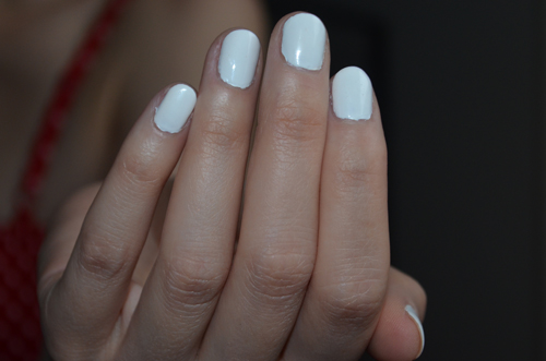 Perfect DIY White Nails (Photo by S. Steinke)