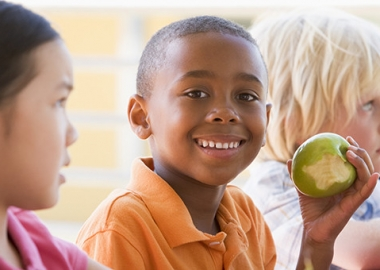 It's important to educate kids about healthy lunch choices. (Photo: Penn State)