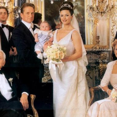 Michael Douglas and Catherine Zeta-Jones on their wedding day in 2000. (Photo: Terry Deroy Gruber Photographers)