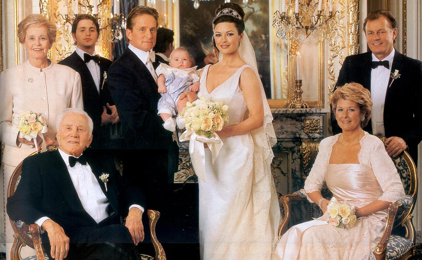 Michael Douglas and Catherine Zeta-Jones on their wedding day in 2000. (Photo: Terry Deroy Gruber Photographers)
