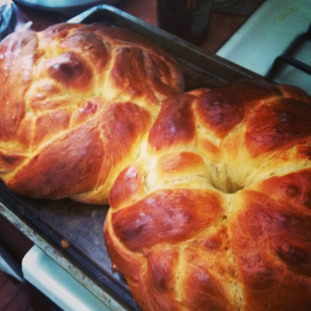 Round Challah (Photo: Kristy McCarron/DC on Heels)