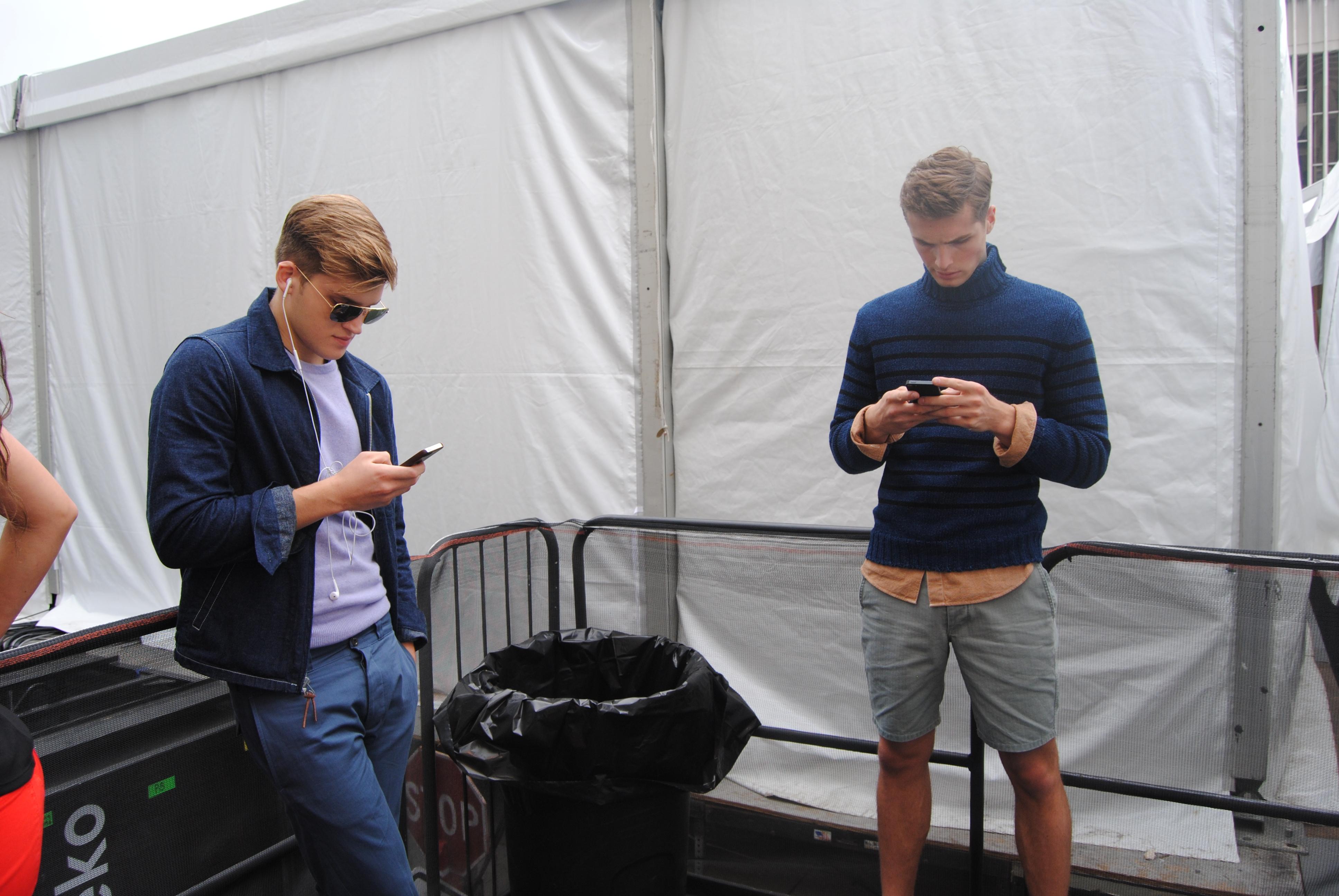 Model boys on their phones (Ko Im/DC on Heels)