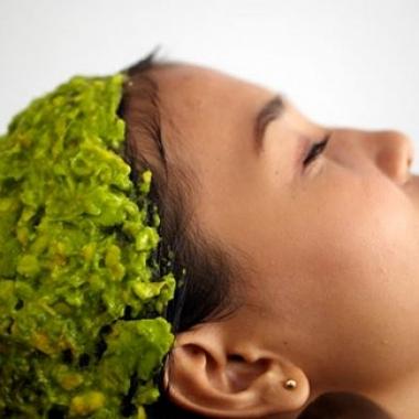 Avocado masks condition dry hair. (Photo: blackgirllonghair.com)