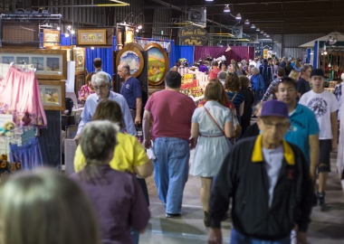 Shoppers at last years fall Sugarloaf Craft Festival at the Montgomery County Fairgrounds. (Photo: Sugarloaf Mountain Works)