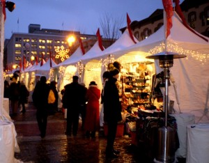 Shoppers at last year's Downtown Holiday Market. (Photo: Downtown Holiday Market)