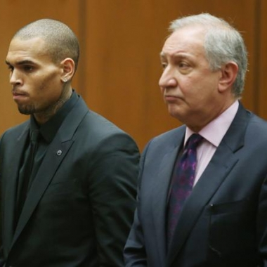 Chris Brown and his attorney Mark Geragos appear in court on Nov, 20. (Photo: Frederick M. Brown/Getty Images)