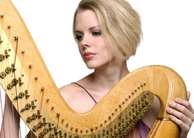 Harpist Karen Abreahmson Thomas (Photo: Karen Abreahmson Thomas)