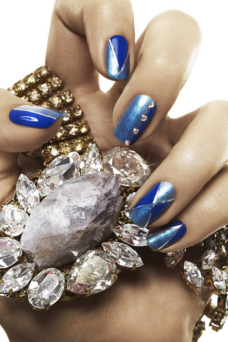 Ashly Covington's fingers and nails. (Photo: Wendy Hope/New You Magazine)