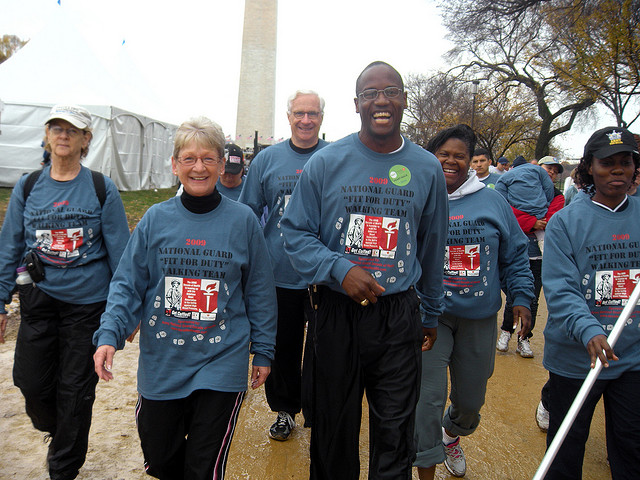 A team from the Army National Guard participates in the Greater Washington Heart Walk. (Photo: National Guard)