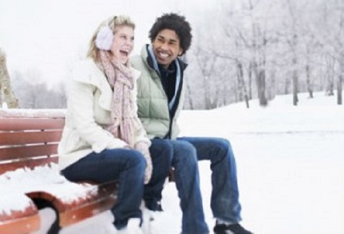 Take some time to enjoy the winter weather on your next date. (Photo: Learnvest)
