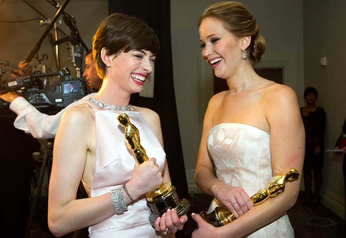 Oscar winners Anne Hathaway and Jennifer Lawrence (Photo: Alt Film Guide)