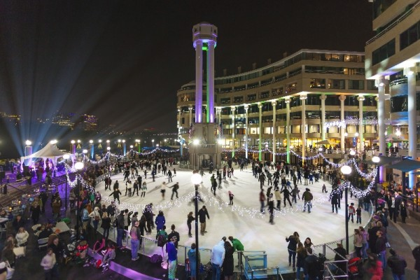 Night Skate with a Date (Photo: Washington Harbor)