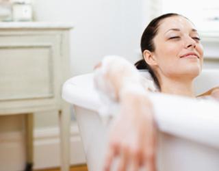 Enjoy a relaxing Epsom salt bath (Photo: Joy Bauer)