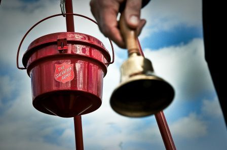 red_kettle_and_bell11