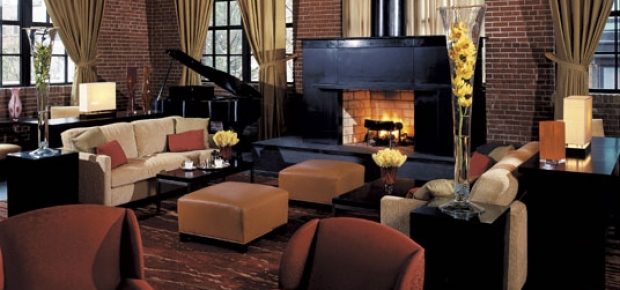 Enjoy some complimentary s'mores by the Ritz-Carlton's fireplace. (Photo: Ritz Carlton)