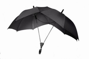 This umbrella for two is good for any couple -- tall or short. (Photo: Opulent Items)