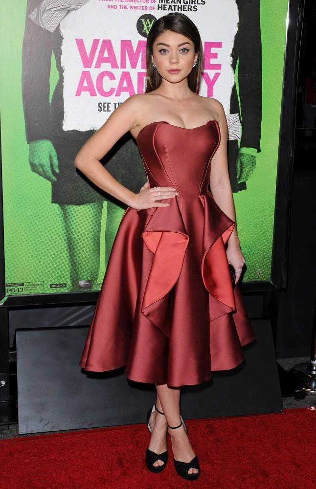 Sarah Hyland in Zac Posen (Photo: StyleBistro)