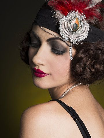A stunning 1920s look created by makeup artist Nicole Prager (Photo: Danielle Blancher)