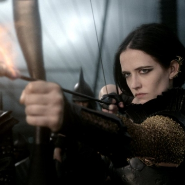 Eva Green plays Artemesia in 300: Rise of an Empire (Photo: Warner Bros. Pictures)