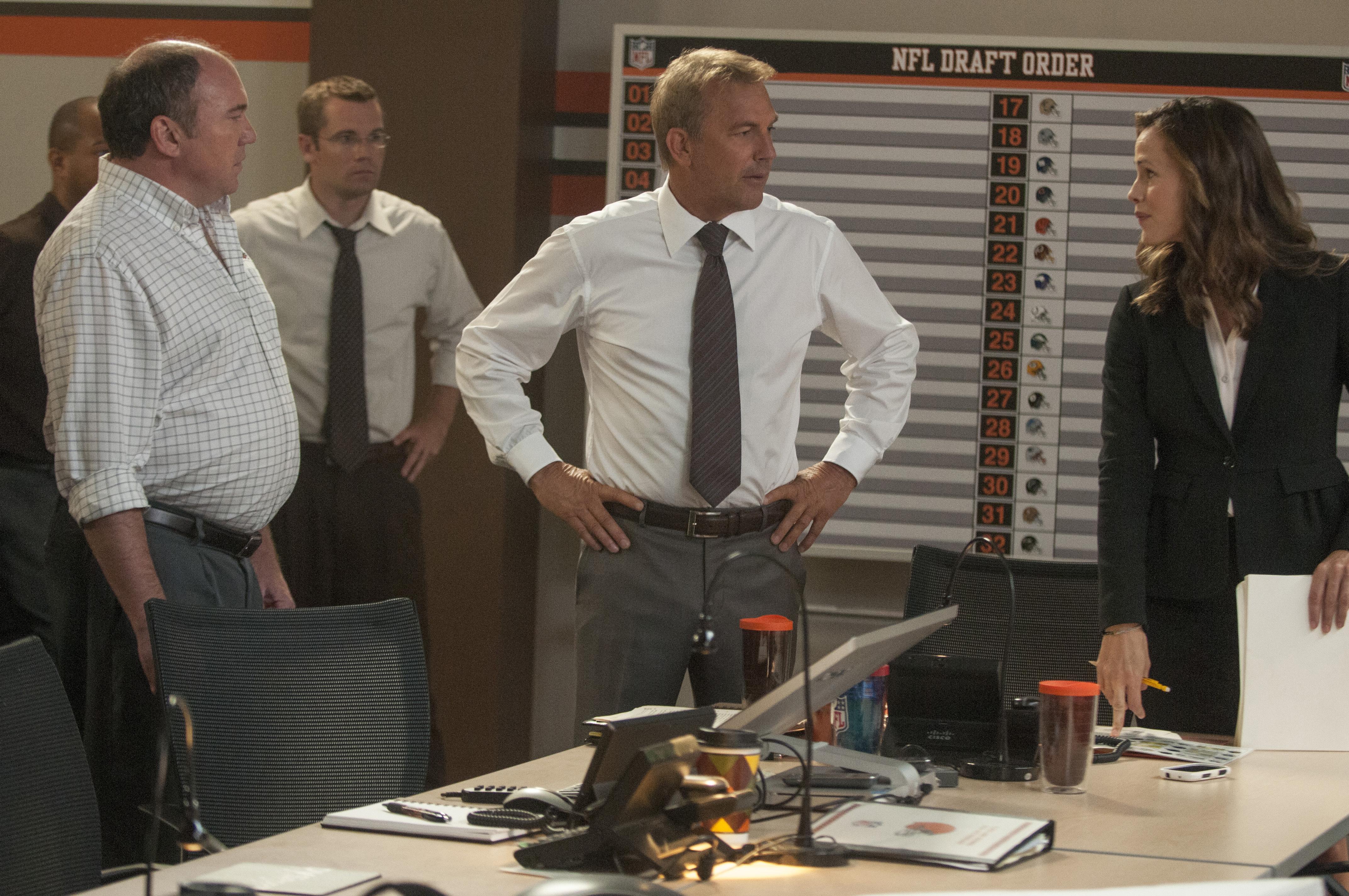 "Kevin Costner and Jennifer Garner star in ""Draft Day."" (Photo: Dale Robinette/Summit Entertainment)"