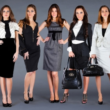Good business attire should not be too casual and should fit properly. (Photo: Style Round)