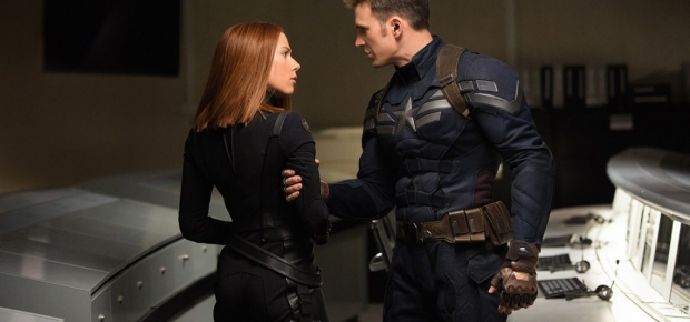 Scarlett Johnansson and Chris Evans in