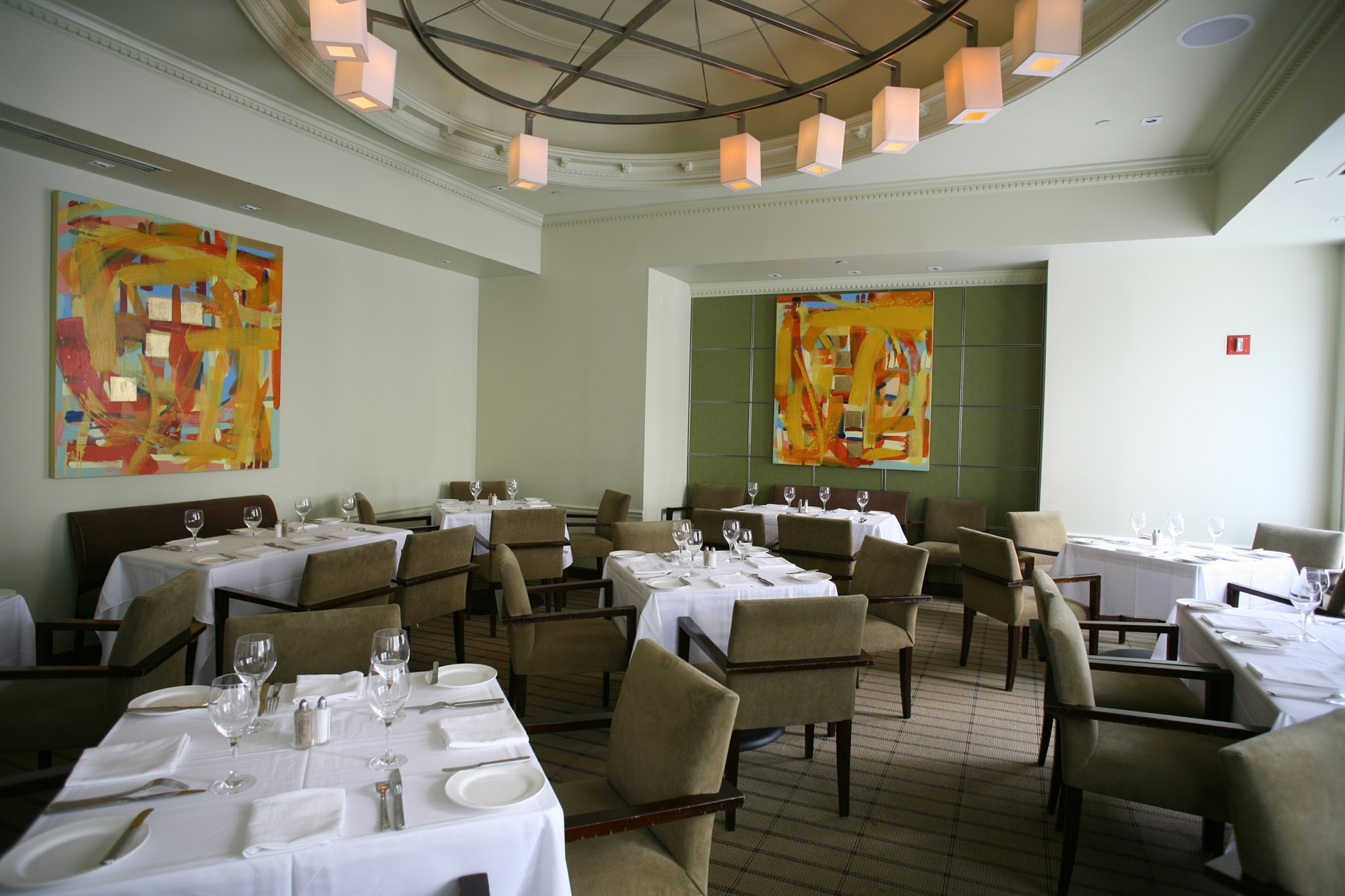 The Oval Room's dining room will get a makeover when it closes at the end of June for a month. (Photo: Oval Room)