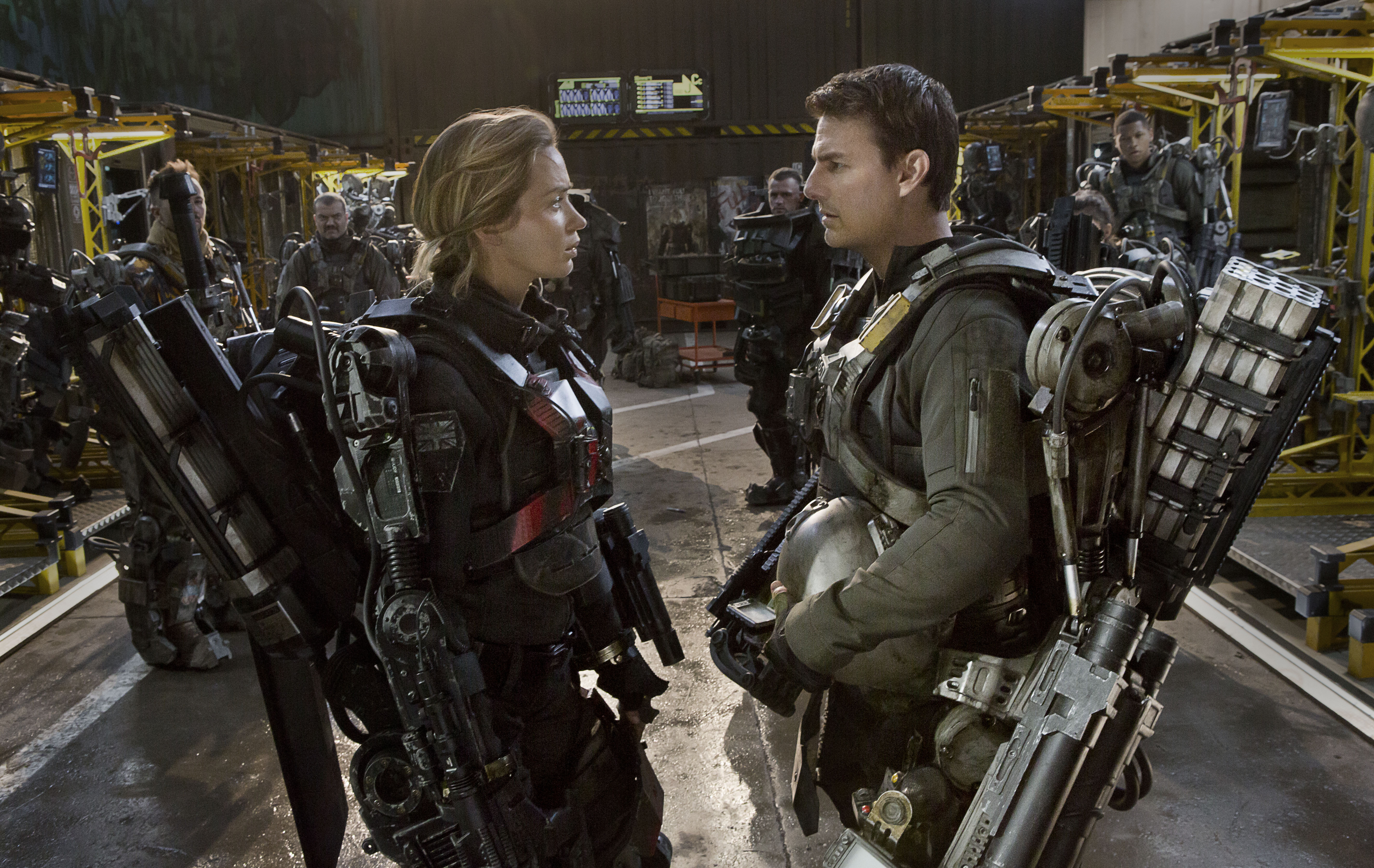 "Emily Blunt (left) and Tom Cruise as in ""Edge of Tomorrow"" (Photo: David James/Warner Bros. Pictures)"