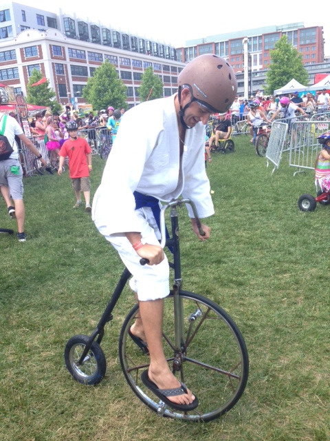 Just a ninja on a old-timey bike, nothing to see here (Photo: Richard Barry/DC on Heels)