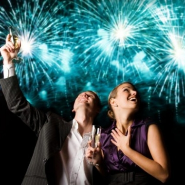 Take your date out for some fireworks and romance. (Photo: Monica Patrick/Love to Know)