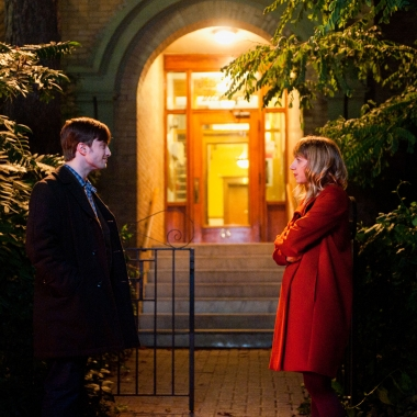 Wallace (Daniel Radcliff) walks Chantry ((Zoe Kazan) home after meeting at a party. (Photo: CBS Films)
