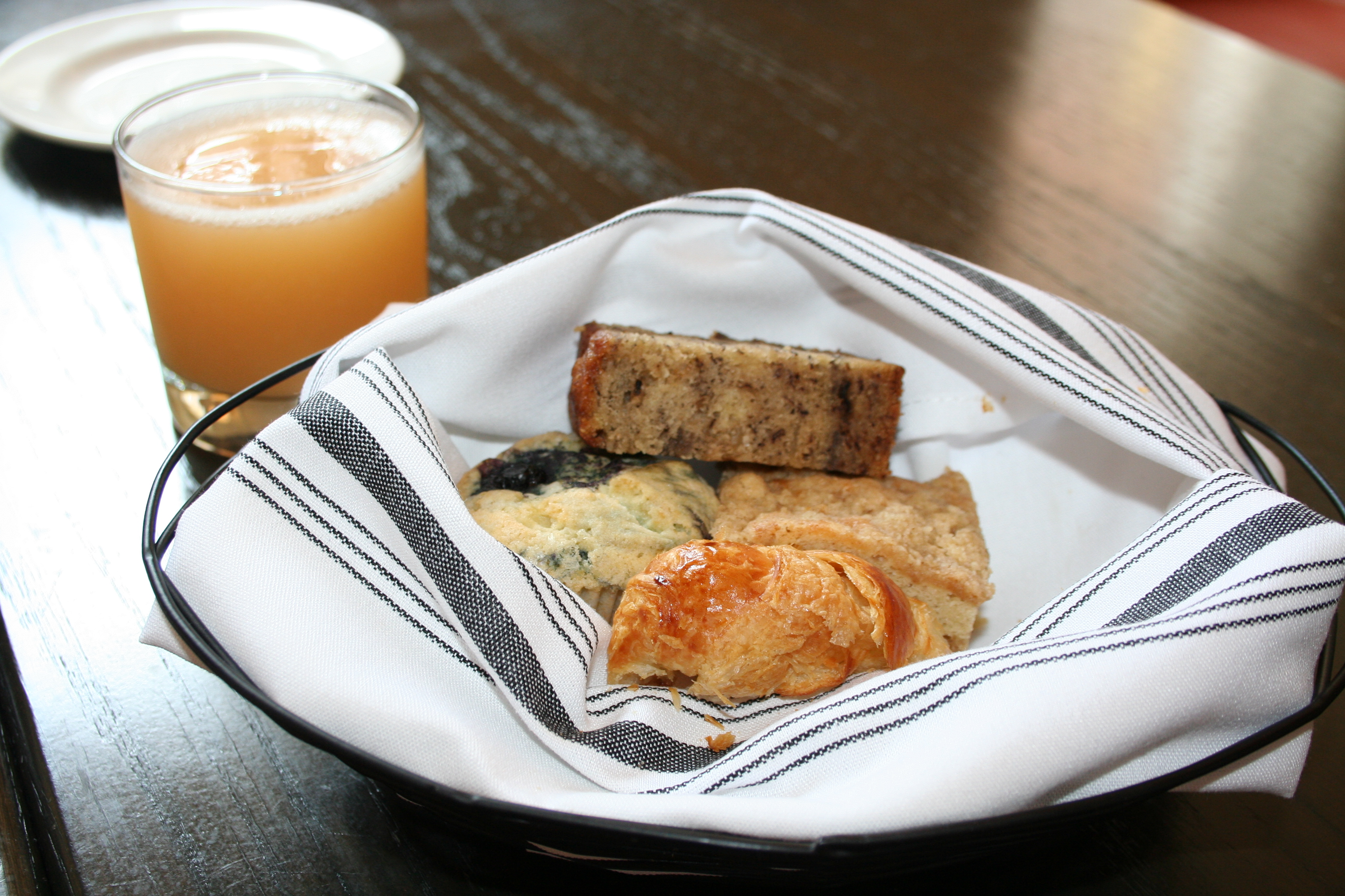 Fresh squeezed juices and pastries from BakeHouse Bakery started our brunch at Bearnaise.  (Photo: Mark Heckathorn/DC on Heels)