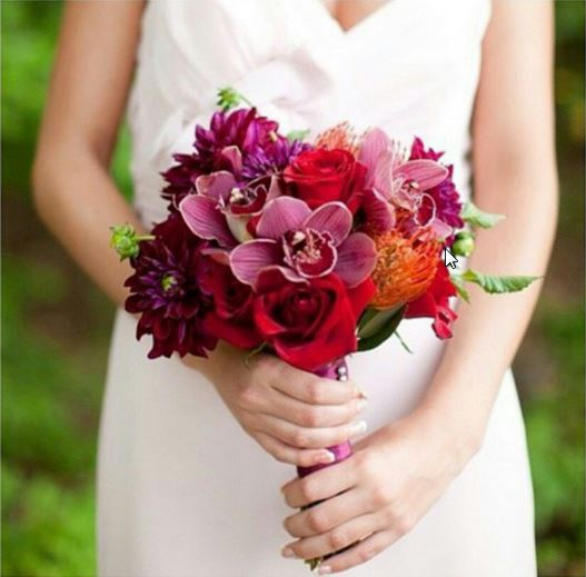 Learn to create you own bridal bouquet with Sarah Campbell of Pops of Plum during the Washington Wedding Experience bridal show on Sunday at the Patriot Center. (Photo: Pops of Plum)