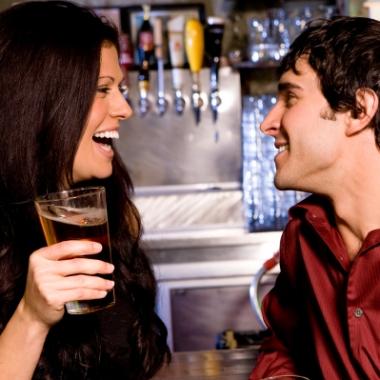 So many motives to flirt, so little time. (Photo: www.mensbestdatingtips.com)