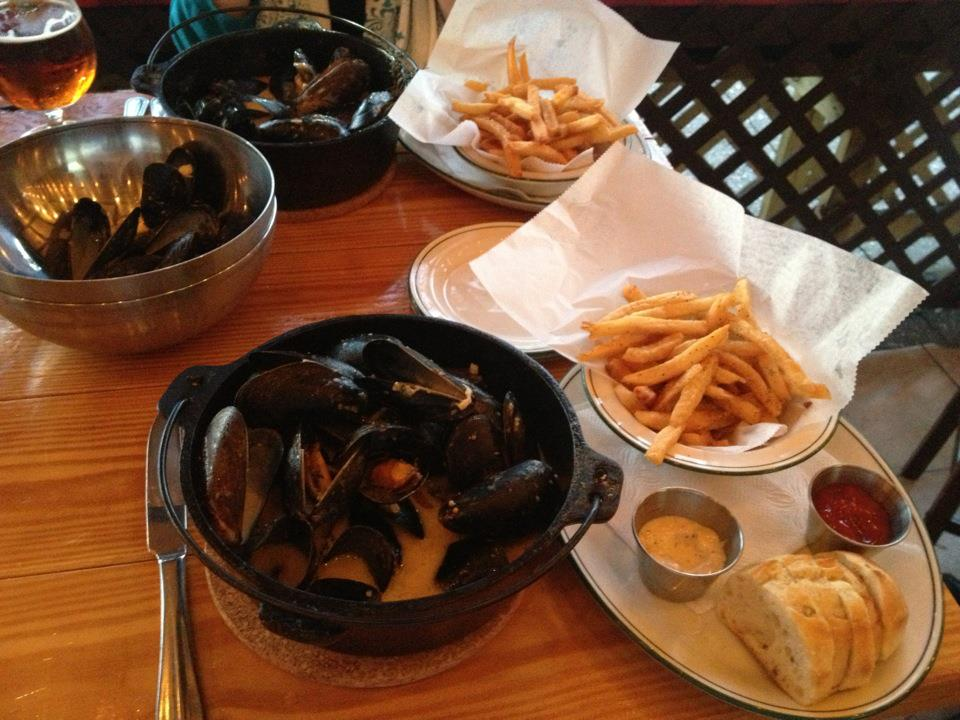 Mussels and frites (Photo: Drink DC)