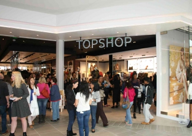 Britian's Topshop opened its first DMV store at the new mall. (Photo: Mark Heckathorn/DC on Heels)