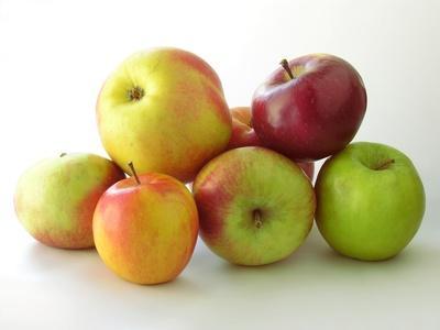 Eating apples regularly confers multiple health and beauty benefits (Photo: Maria Brzostowska -Fotolia.com)