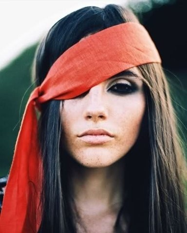 The perfect pirate makeup (Photo: Beautifullydressed.com)