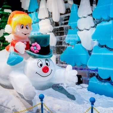 ICE! is back at Gaylord National Resort with a Frosty the Snowman theme. (Photo: Gaylord National Resort)