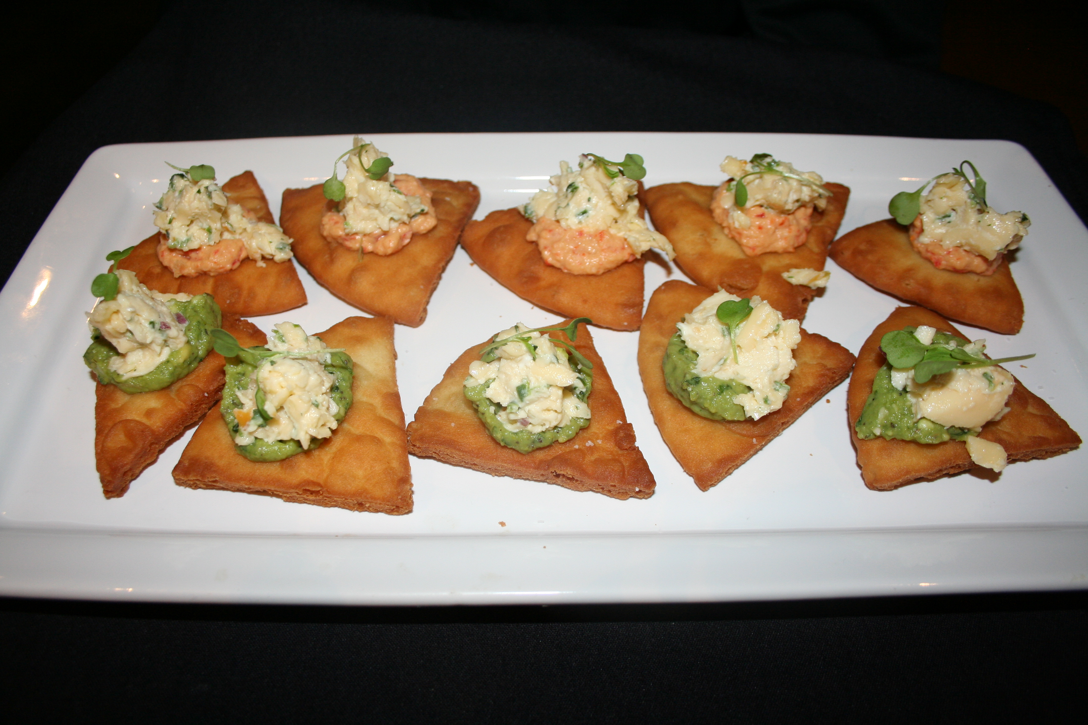 The $13 naan-chos were the best dish on the menu. (Photo: Mark Heckathorn/DC on Heels)