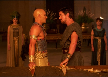 Moses (Christian Bale, right) confronts Ramses (Joel Edgerton) in Exodus: Gods and Kings. (Photo: 20th Century Fox).