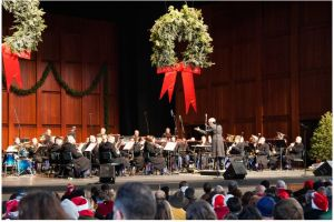 Sing along with your favorite Christmas carols withl local choirs and the United States Marine Corps Band at Wolf Trap on Saturday. (Photo: Ginny Filer)