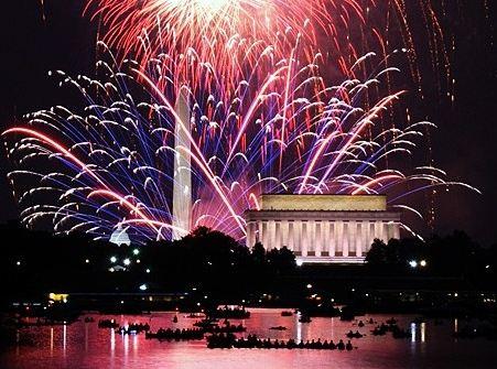 Happy New Year's Washington, D.C.! (Photo: www.ladylux.com)