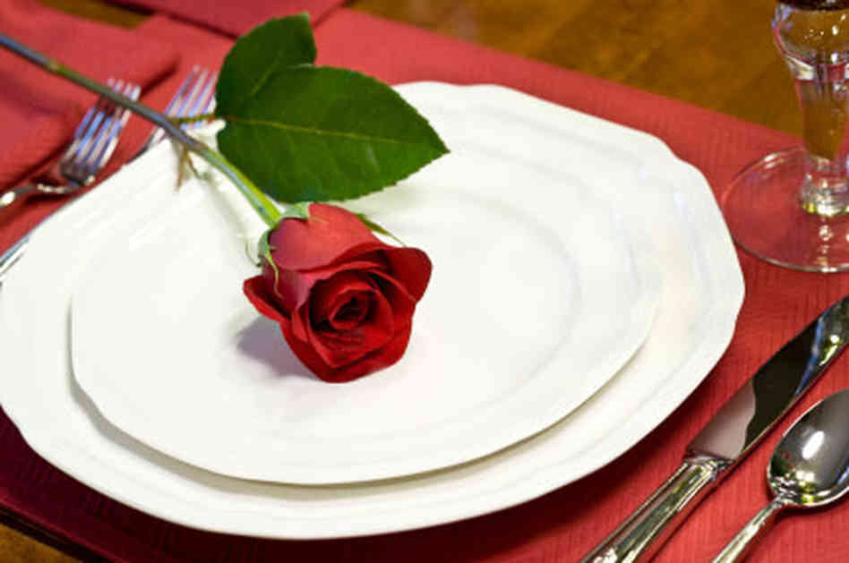 Many restaurants are offering Valentine's Day specials on Saturday, others all weekend. (Photo: sansabatexas.com)