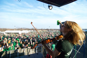 Visitors to last year's Shamrock Fest listen to music and drink beer. (Photo: Shamrock Festival)