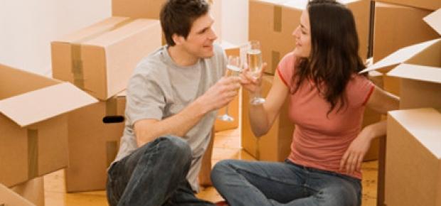 Despite the challenges, living together has it's rewards. (Photo: www.thefrisky.com)